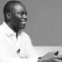 Laurence Aderemi, Moni
