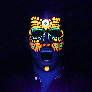 Pedro Conrade, Neon