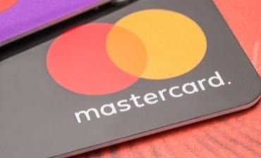 Mastercard Cards for trio of fintech story