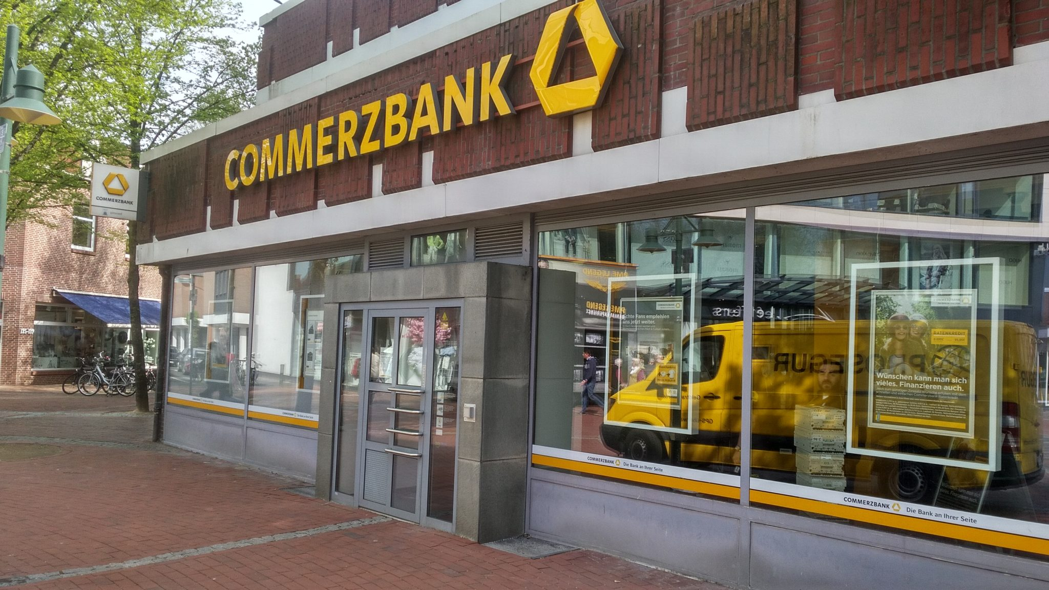 Commerzbank finalises 10,000 job cuts after agreement with employees