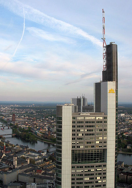 Commerzbank and Clearstream plan to launch their OTC derivatives managed service before the end of the year