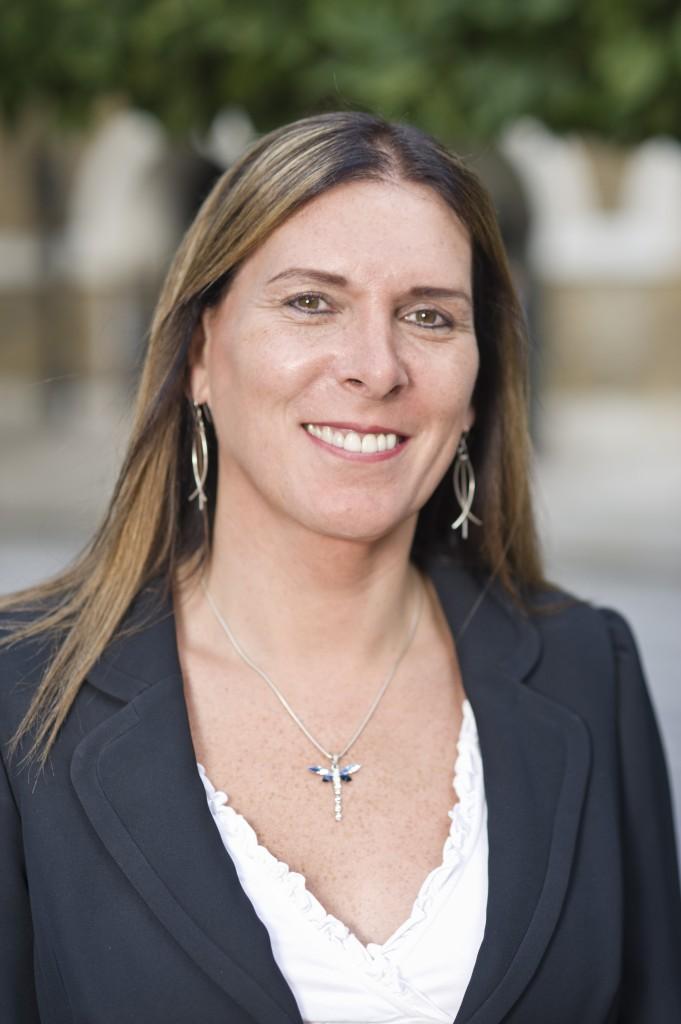 Fiona Hamilton, Volante